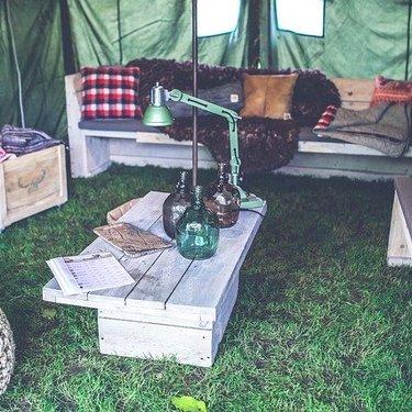 キャンプ用アウトドアテーブルを自作しよう!簡単な作り方やデザインの例も!