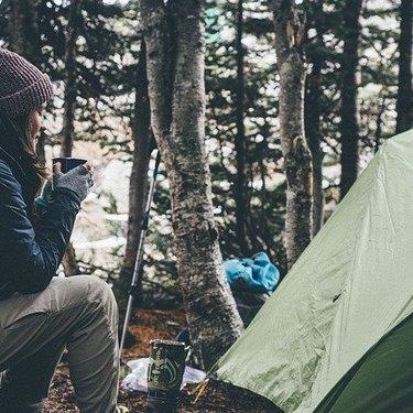ソロキャンプの暇つぶしはどうする!おすすめアイテムや楽しみ方を紹介!