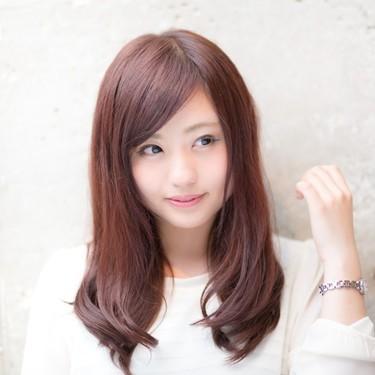 丸顔に似合う前髪は?前髪なしで小顔に見える髪型や輪郭をカバーするスタイルも!