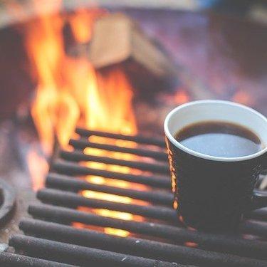 キャンプで美味しいコーヒーを楽しむ方法!必要な道具や入れ方を紹介!