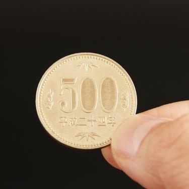 500円玉の重さで貯金額がわかる!1枚あたりの重量や測り方を詳しく紹介!