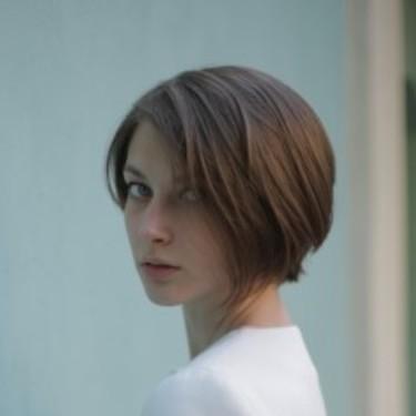 辺見えみりの髪型を参考にしたい人必見!オーダー方法やセットのコツを伝授!