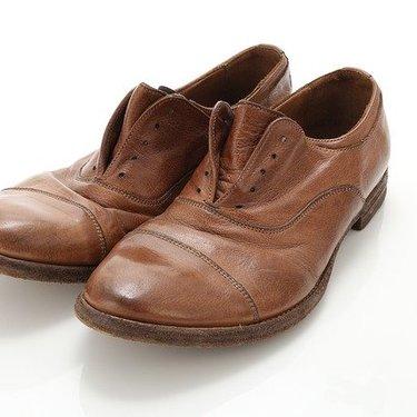 革靴はクリーニングに出せるの?気になる料金や適切な頻度をチェック!