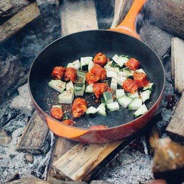 ペミカンのレシピや味は?保存食やアウトドアにおすすめの食材もご紹介
