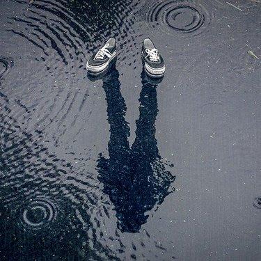 雨の日に革靴を履く際の注意点!濡れた後の手入れ方法やシミ対策をチェック!