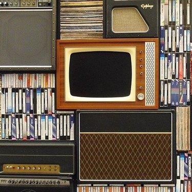 テレビの電気代・消費電力は1時間・1日あたりいくら?節約方法もチェック!