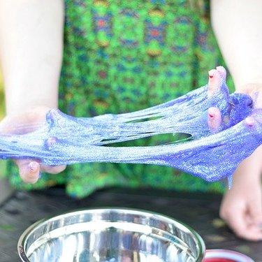 ホウ砂は100均やダイソーで購入可能?洗濯のりを使ったスライムの作り方も紹介