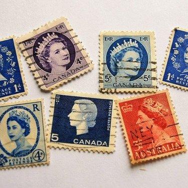 正しい切手の貼り方・位置を解説!複数枚や横書きの場合についても紹介!