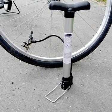 クロスバイクの空気圧はどれくらいが適正?初心者向けの点検方法も紹介!
