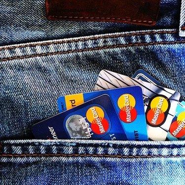 楽天プレミアムのメリットは?お得に買い物する方法やポイント還元率も調査!