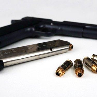 トカレフ拳銃の特徴や歴史は?初心者におすすめのモデルや使用方法もご紹介