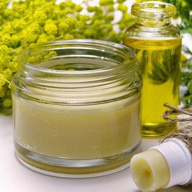 練り香水の簡単な作り方は?材料別の手順やおすすめの容器も紹介!