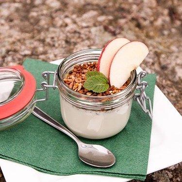 ヨーグルトを使った料理21選!簡単に美味しいおかずやサラダが作れる!