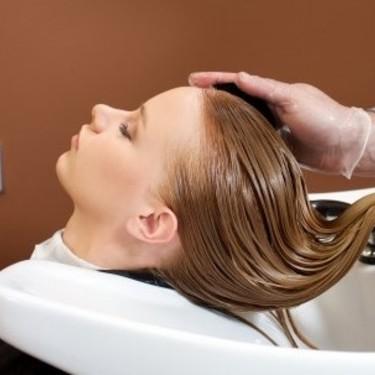 炭酸ヘッドスパの効果は?おすすめ美容院や自宅でのやり方もチェック!