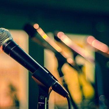 女声の出し方のコツを伝授!両声類になるためのおすすめの練習方法を紹介!
