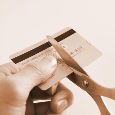 オリコカードの解約手続き方法と手順を解説!年会費の支払い時期など注意点も!