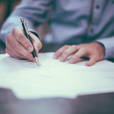 就職試験の作文を徹底攻略!よく出るテーマ・書き方のコツ・例文を調査!