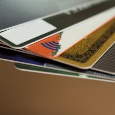 dカードの締め日と引き落とし日はいつ?支払いが残高不足だった場合の対処法も!