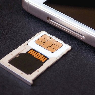 楽天モバイルのSIMをサイズ変更・交換する方法!注意点や返却の仕方も紹介!
