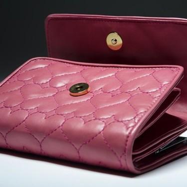 ピンクの財布で金運はアップする?風水の意味や効果を詳しくチェック!