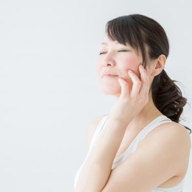 メラニン毛穴の原因を徹底調査!洗顔や化粧水で黒ずみを改善できる?