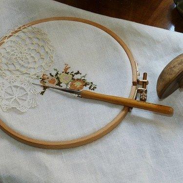 文字刺繍のやり方をわかりやすく解説!手縫いで綺麗に名前を入れるには?