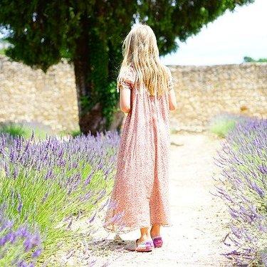 紫に合う色9選!パープルにぴったり合うおすすめコーデもご紹介!