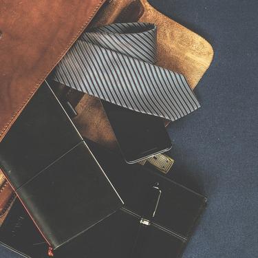 ネクタイの収納方法アイデア特集!簡単でシワにならない方法もチェック!
