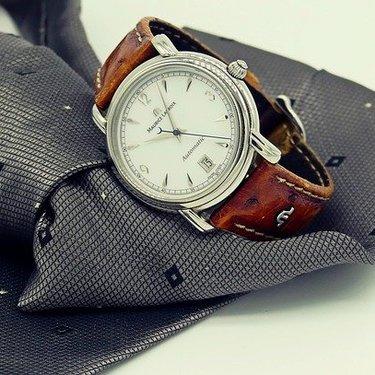 自動巻き腕時計の魅力とは?手巻きとの違いや人気のモデルを詳しく紹介!