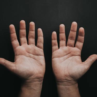【手相】 小指の下(水星丘)に現れるのは財運線!縦線・横線で意味が違う?