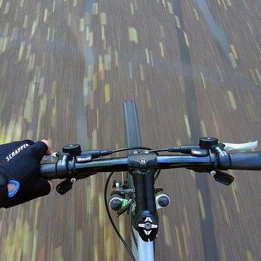 クロスバイク用おすすめライト11選!商品ごとの明るさや性能を詳しく調査!