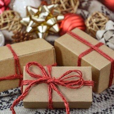 おしゃれなラッピング術をご紹介!プレゼントで喜ばれる簡単な包み方も!