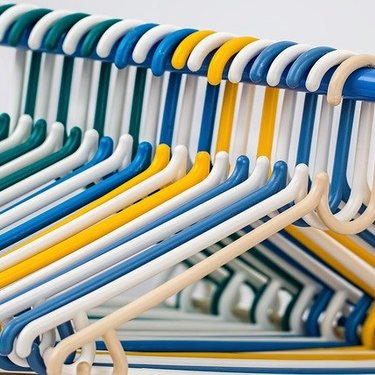 ネクタイハンガーのおすすめ17選!たっぷり収納できる便利な商品も多数!