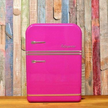 化粧水を冷蔵庫に入れるのはNG!ダメな理由や正しい保管方法をご紹介!