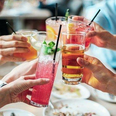 誕生酒と酒言葉366日一覧!友人や彼と誕生日にまつわるお酒をチェックしよう!
