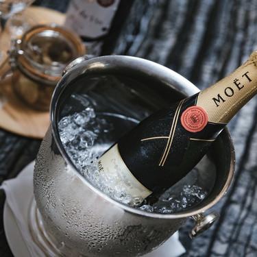 ワインの美味しい飲み方を徹底リサーチ!最適温度やグラスの持ち方も!