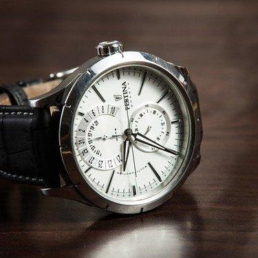 20代におすすめの腕時計13選!おしゃれな有名ブランドなど厳選して紹介!