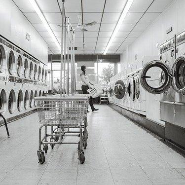敷布団をコインランドリーで洗おう!洗い方の注意点や洗濯機の使い方を解説!