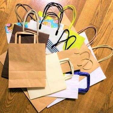 紙袋のリメイク方法まとめ!簡単におしゃれアイテムに変身するアイデアが満載!
