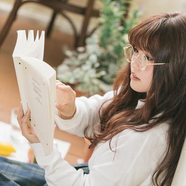 可愛いメガネ女子が急増中!眼鏡に似合うおしゃれコーデもチェック!