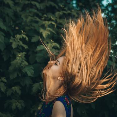ミルクティーブラウンは人気の髪色!ブリーチなしでもできるカラーを紹介!