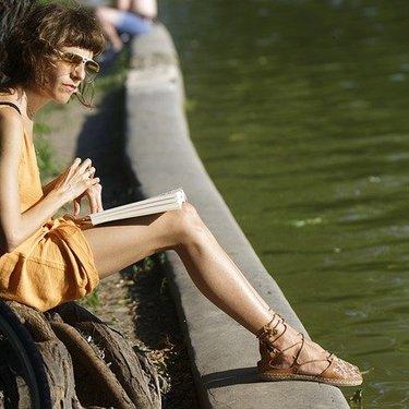 サンダルの時ストッキングを履くのはあり?夏の快適スタイルを徹底リサーチ!