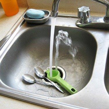 シンクの掃除方法ガイド!おすすめの磨き方や人気のグッズをまとめて紹介!