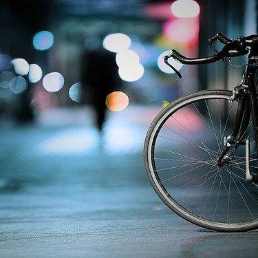 自転車用ライトおすすめ17選!ロードバイク向けの商品など選び方のポイントも!