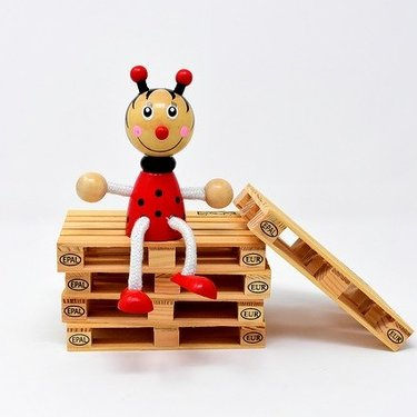 パレットを使った簡単DIYアイデア集!おしゃれな木製家具の作り方も!