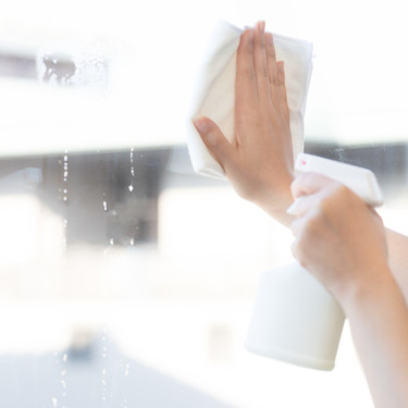 窓ガラスの掃除テクニックまとめ!簡単に汚れを落とす方法や道具を紹介!