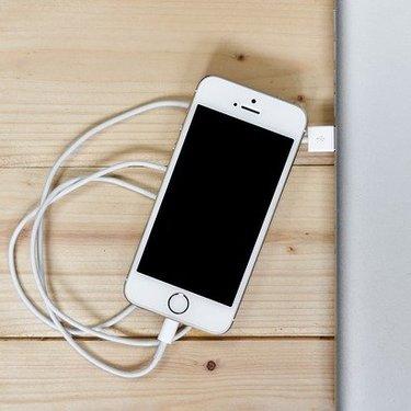 最適化されたバッテリー充電とは?スマホの寿命を延ばしてくれる新機能をご紹介!