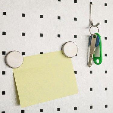 有孔ボードでキッチンの収納力をUP!簡単な取り付け方などアイデアまとめ!