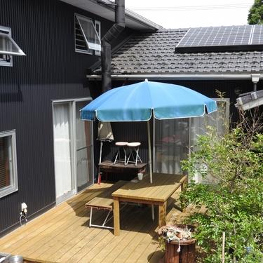屋根をDIYしよう!ウッドデッキへの設置方法など簡単な作り方と費用を紹介!