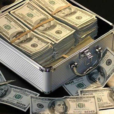 お金の夢の意味23選!貯める・拾う・払うなどパターン別に判断!